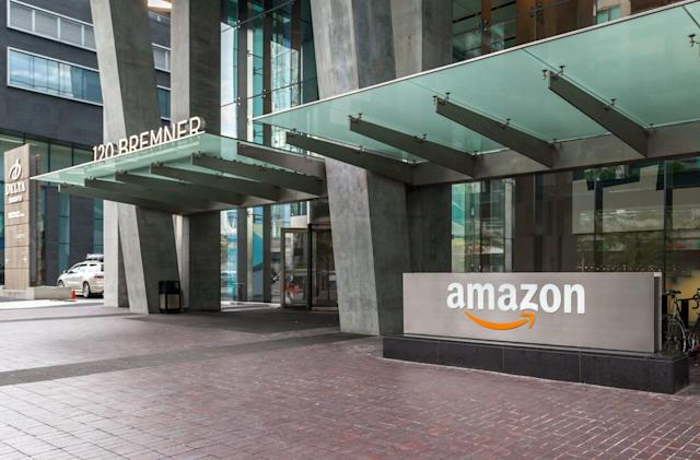 Amazon rolls out a cash payment option for online orders in the US