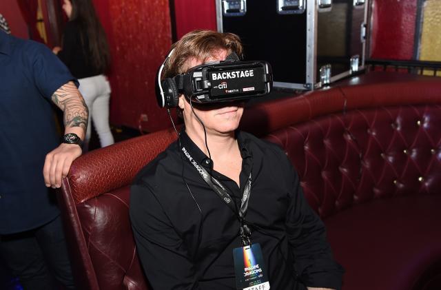 Apple buys virtual reality company NextVR