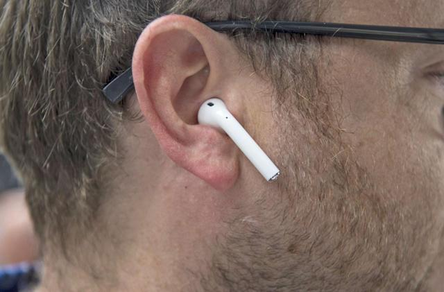 Florida man says his Apple AirPod exploded