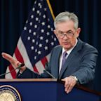 White House keeps pressure on Powell to cut rates