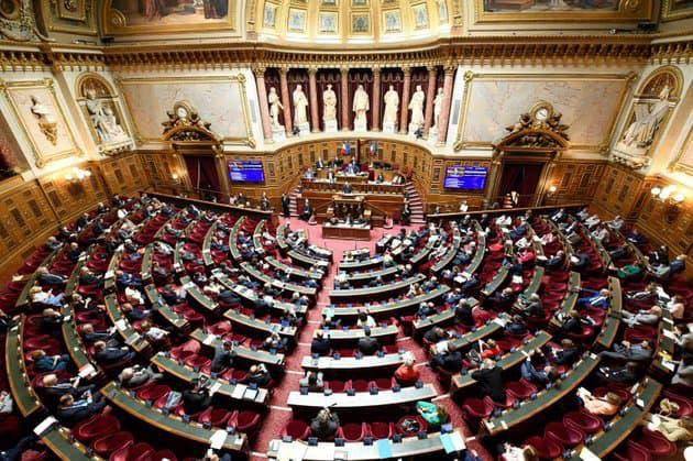 Urgence sanitaire: feu vert du Sénat à une prolongation jusqu'au 3 mai