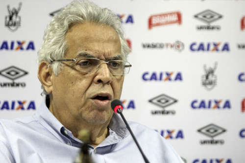 Eurico ataca gestão Dinamite e critica opositores que atuam 'contra o Vasco'