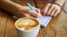 Jovens estão gastando mais com café do que com aposentadoria, diz estudo