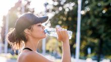 Canicule : voici la boisson la plus hydratante selon la science et, non, ce n'est pas l'eau