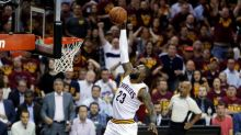 Must-see sports moments of the week: LeBron James blows an open dunk