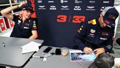 Can you spot why this Ricciardo photo went viral?