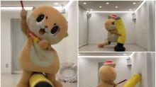 【新片速報】日本自虐吉祥物新片 怒打吹氣棒帽都飛甩