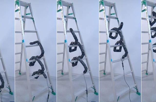 Robot makes 'Snakes and Ladders' horrifyingly literal