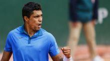 Thiago Monteiro alcança a terceira rodada em Roland Garros