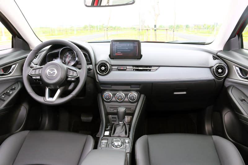 Mazda在內裝質感上向來都是同級車最好的,CX-3當然也是如此。