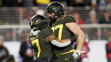 Oregon wins Pac-12, knocks Utah out of CFP