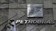 Ações da Petrobras desabam após empresa reduzir preço do combustível em razão de protestos de caminhoneiros