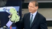Philippe Lamberts, l'eurodéputé belge qui a chahuté Emmanuel Macron, révèle qui lui a soufflé l'idée de la corde
