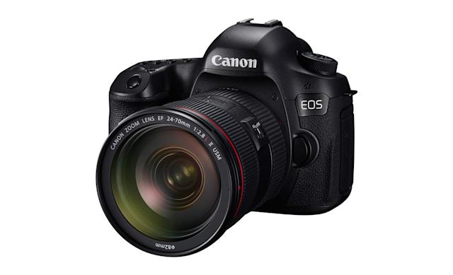 Canon's 120-megapixel camera plumbs the depths of your pores