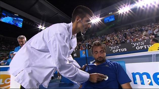 Dr Novak treats Leconte