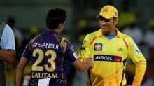 Video: Gambhir snubs Dhoni during Vijay Hazare game