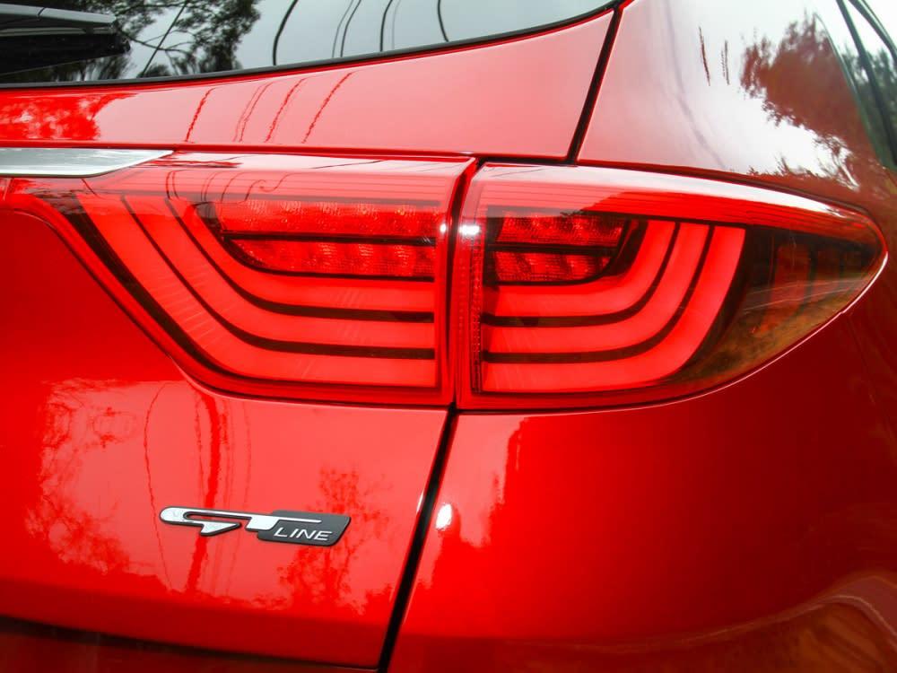 尾燈組內採LED導光條設計,這也是GT Line車型的不同之處。