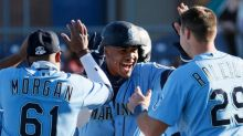 Julio Rodríguez drives in Kelenic to lift Mariners to walkoff win over Padres