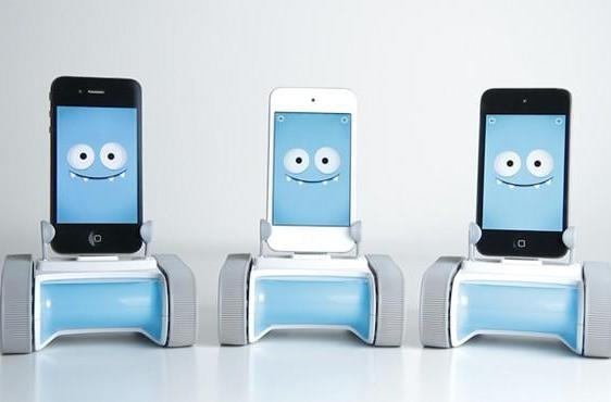 Romo's return: the cute little smartphone robot wants to steal your heart again
