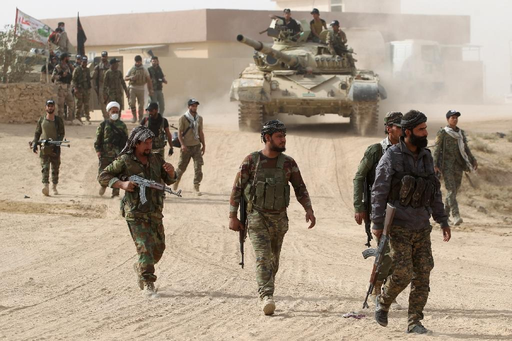 Shiite fighters from the Hashed al-Shaabi paramilitary organization announced, on November 16, 2016, that they had entered the Tal Afar airport and were fighting to clear IS jihadists inside the building