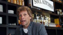 Bon Jovi abre restaurante e serve comida de graça a servidores que não recebem salário