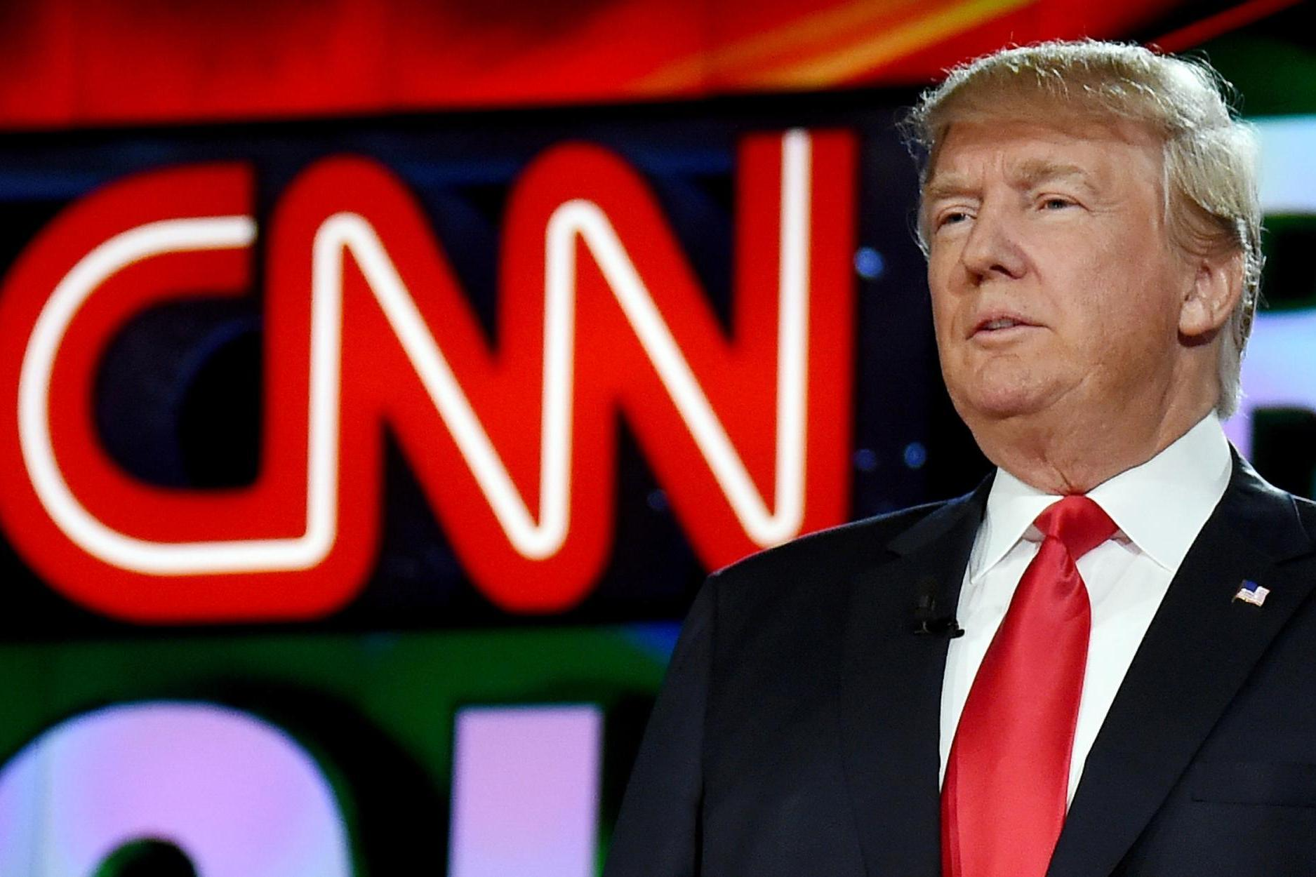 Donald Trump accuses CNN of 'fake news' after three reporters resign over retracted Russia story