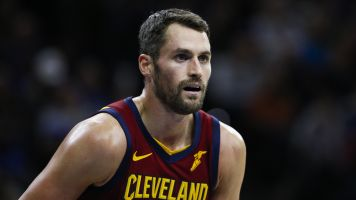 Report: Cavs will listen to offers for Kevin Love