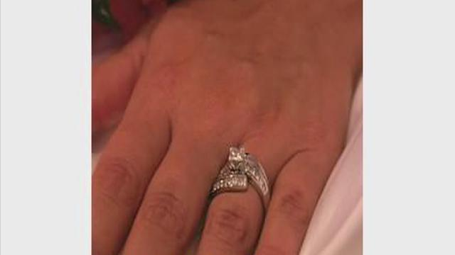Woman loses wedding rings