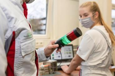 Audi菜鳥發揮創意防範新冠病毒