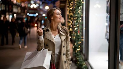 6 Cash Back Credit Cards for Holiday Shopping