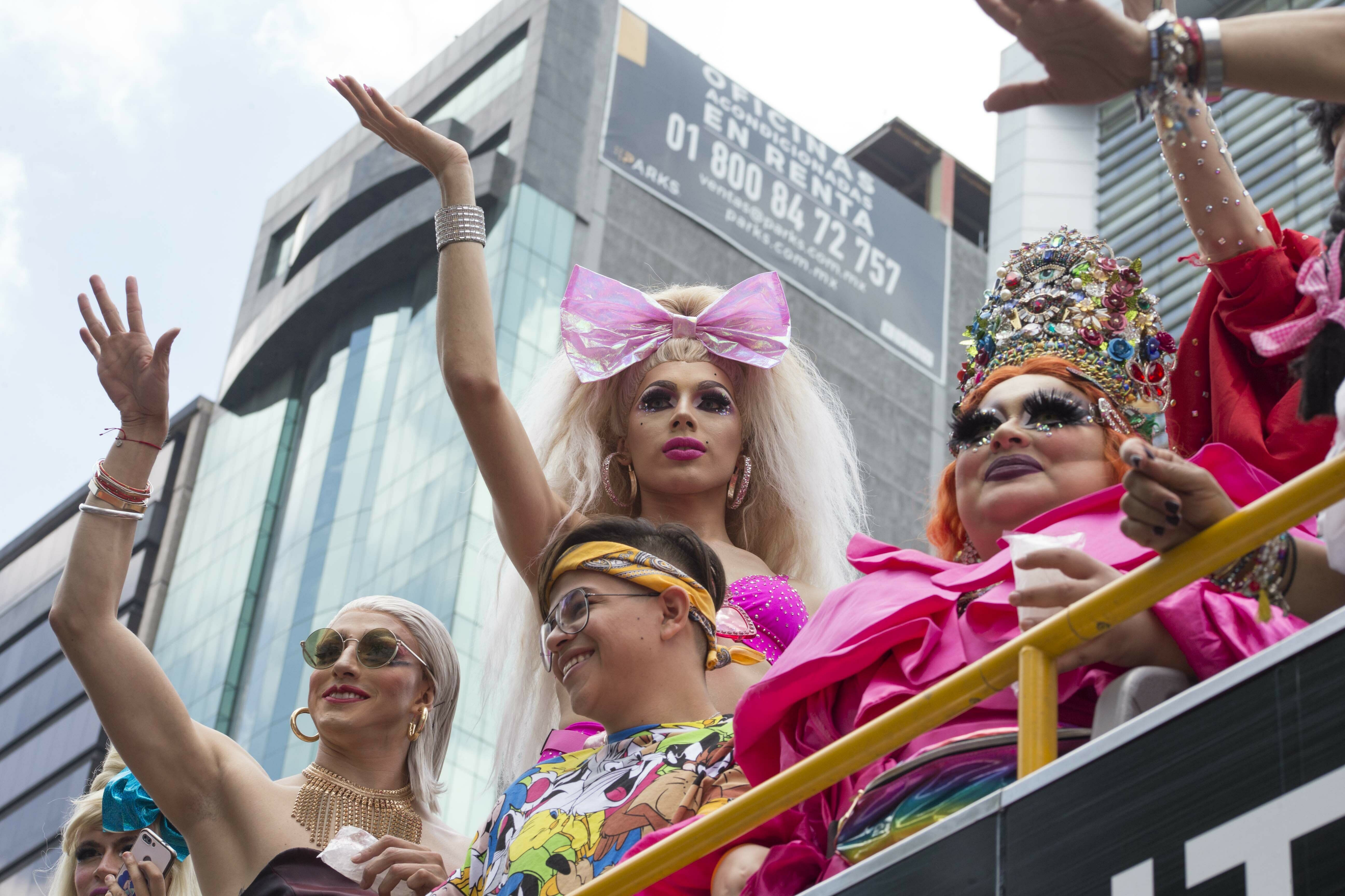 QnA VBage Tens of thousands join gay pride parades around the world