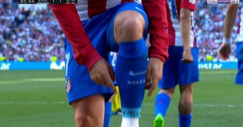Foot - WTF - La dédicace sur la chaussette pour Antoine Griezmann