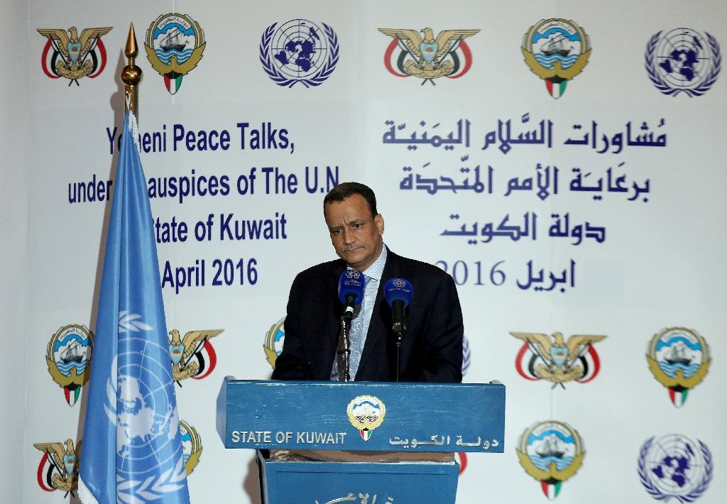 Yemen's United Nations envoy Ismail Ould Cheikh Ahmed holds a press conference at the ministery of information in Kuwait City on April 30, 2016 (AFP Photo/Yasser al-Zayyat)