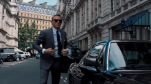 'Bond 25' first look: Daniel Craig is back as 007 in 'No Time To Die' teaser trailer