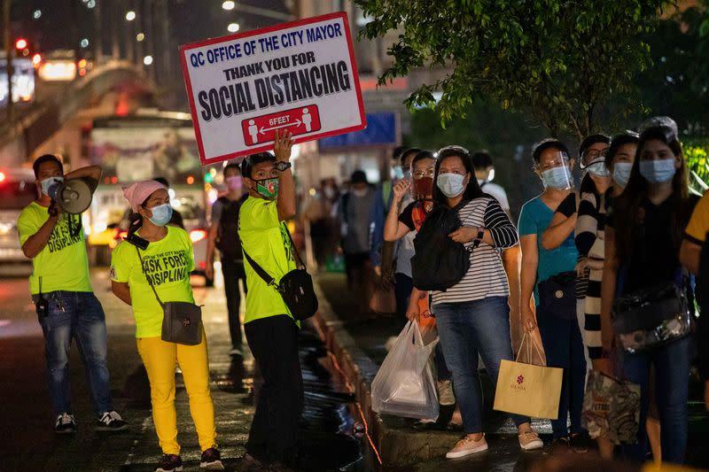 Philippines records 3,281 new coronavirus cases, 26 more deaths