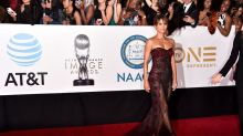 Holy moly, Halle Berry. There are no words for this sexy look.