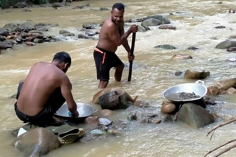 With the coronavirus devastating jobs across the country, desperate Indonesians are flocking to illegal gold mines