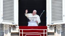 """Coronavirus: le pape François """"constamment surveillé"""" au Vatican"""