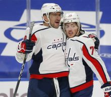 Oshie has 3 points, Capitals open with 6-4 win at Buffalo