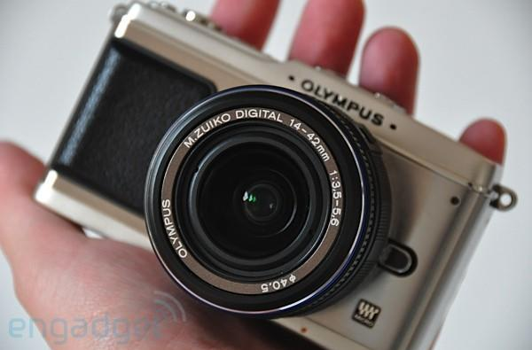 Olympus E-P1 available to those willing to pay a little premium
