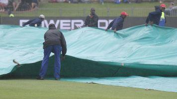 England face long wait as heavy rain delays fourth Test