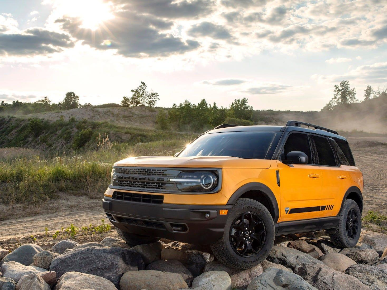 The 17 coolest features of the new 2021 Ford Bronco Sport, the smaller SUV sibling in the rugged all-4×4 Bronco lineup — see them all