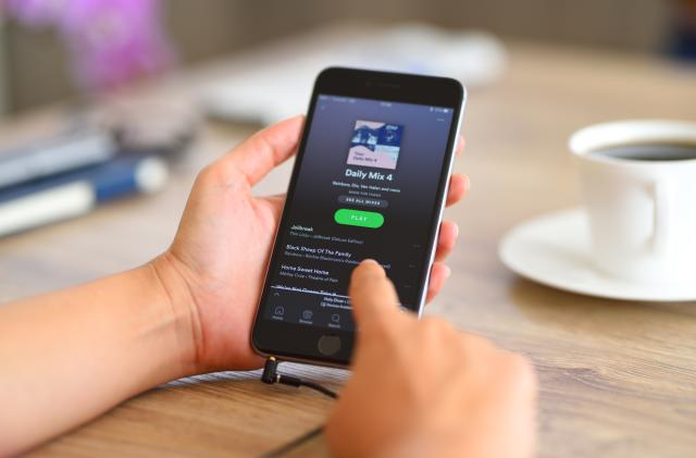 Spotify's tastemakers create 17 specialized podcast playlists