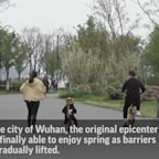 Life after virus: Wuhan residents enjoy outdoors
