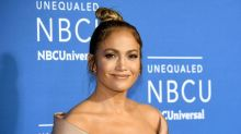 Jennifer Lopez Sizzles In Sexy Bathroom Selfie