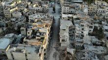 """Syrie: les forces du régime """"aux portes"""" d'une ville clé à Idleb"""