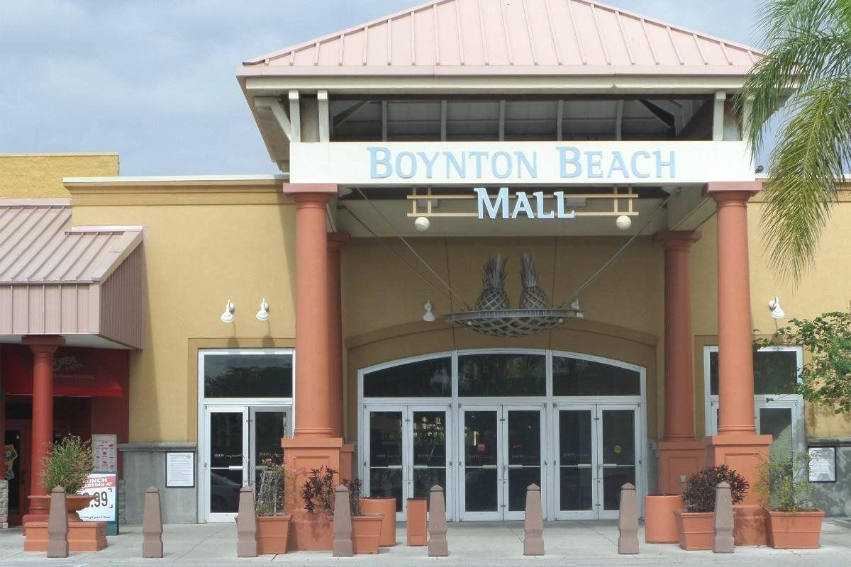 Mall offering free yoga and fitness boot camp classes