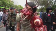 Bloodthirsty zombies turn Chile into The Walking Dead