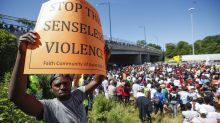 Anti-violence protesters block major freeway in Chicago