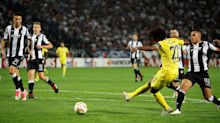 Willian eases Chelsea past PAOK Salonika